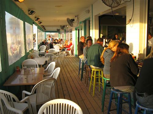 palm pavilion restaurant patio bar seating