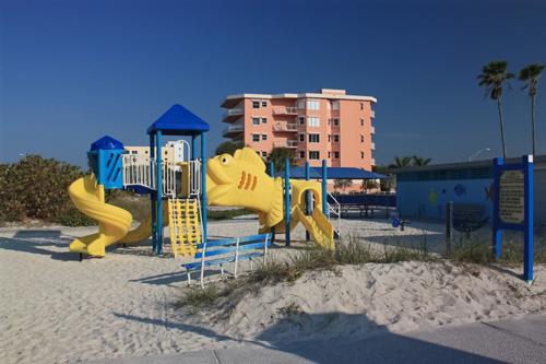 treasure island beach playgound
