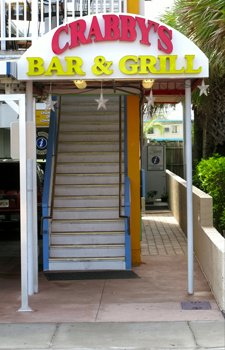 crabbys bar and grill clearwater beach
