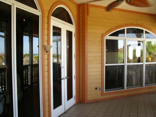 hurricane restaurant 2nd floor entrance