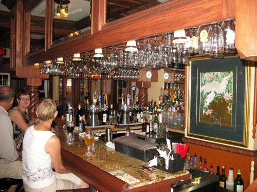 dinner at grayls hotel packards bar