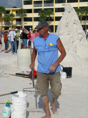 Dan Doubleday - sand artist.