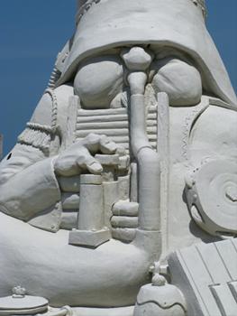 sloppy joes sand sculpture facila detail of Music Man