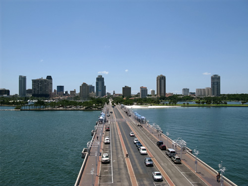 cha cha coconuts view of downtown st pete fl